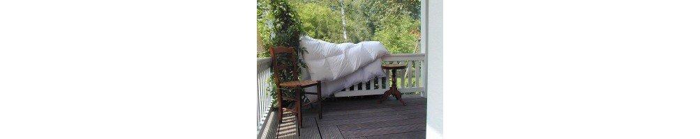 Пуховое одеяло купить с доставкой и подарком.
